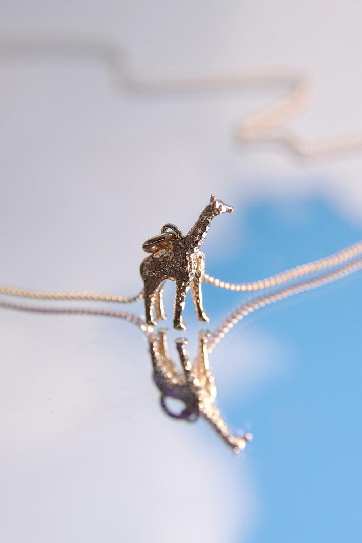 Giraffe Necklace Gold