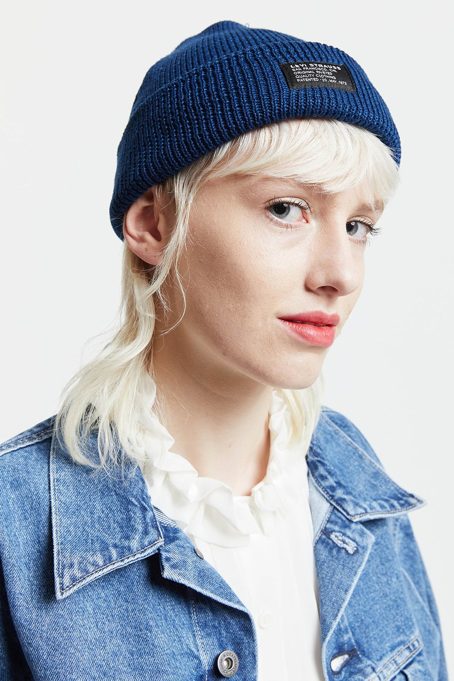 Levi's Knitted Cropped Beanie Navy Blue