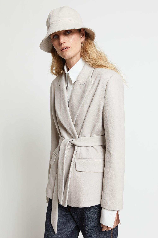Short Tie Coat