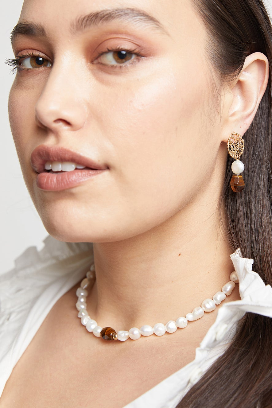 Vania Large Pearl with Tiger's Eye Necklace