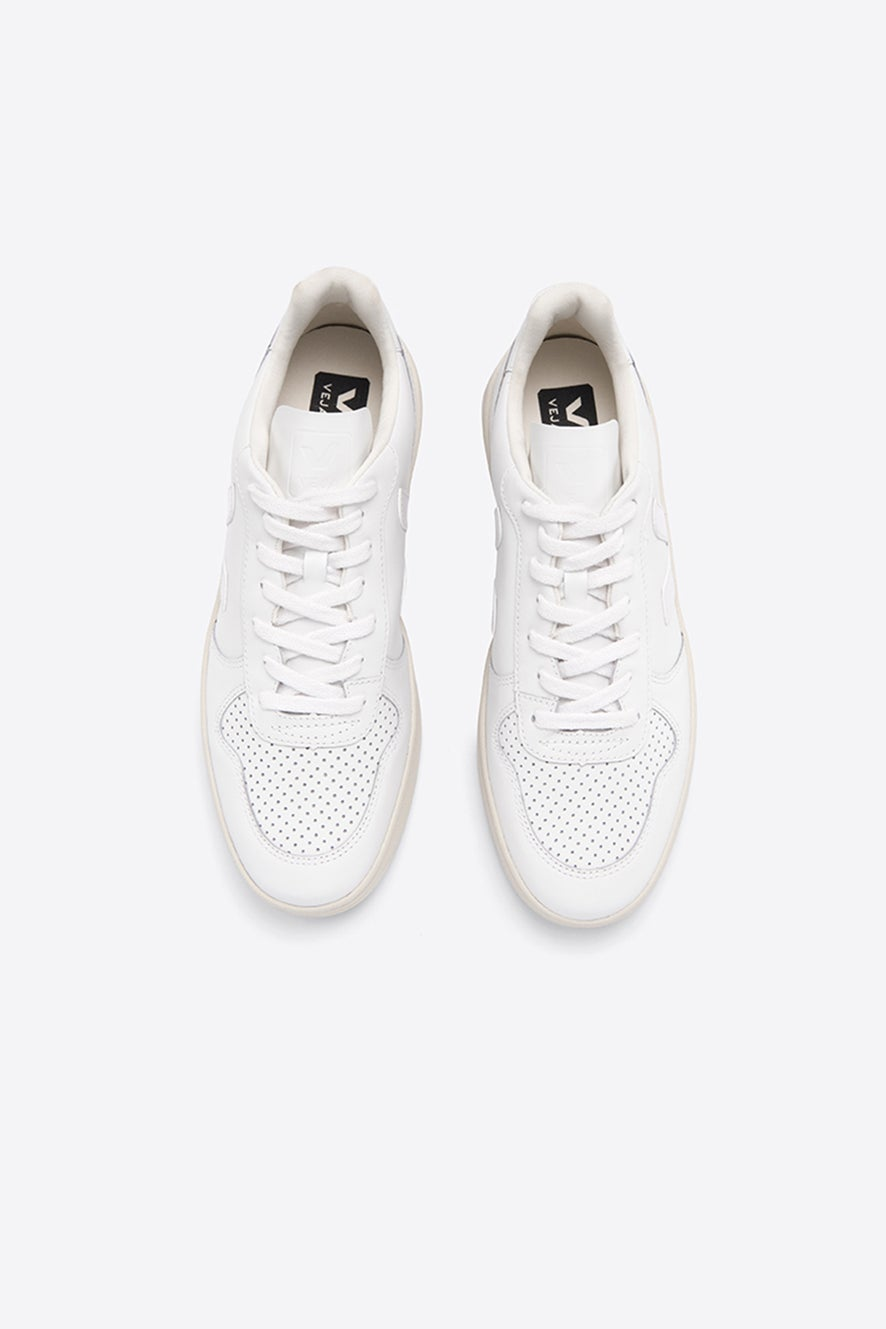 Veja V-10 Extra White