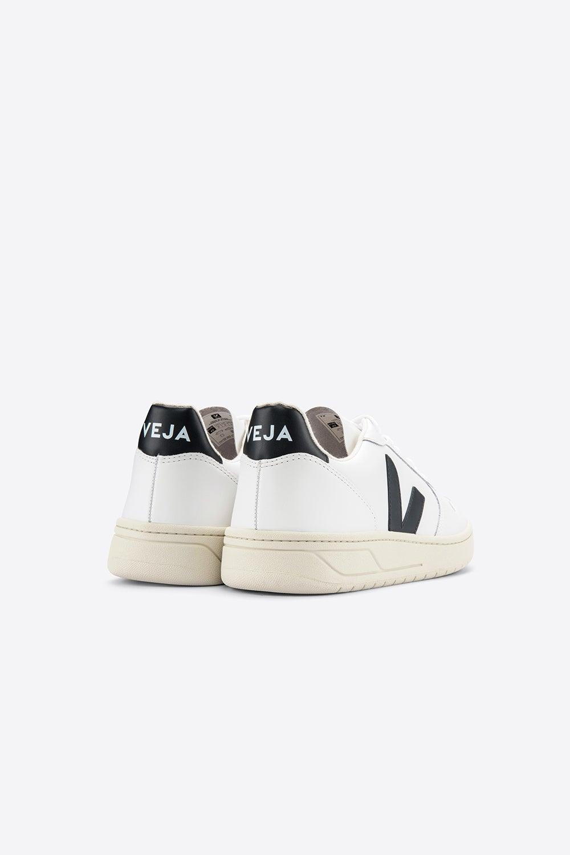 Veja V-10 Extra White/Black
